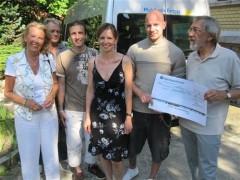 SPD-Spende für den Jugendbus